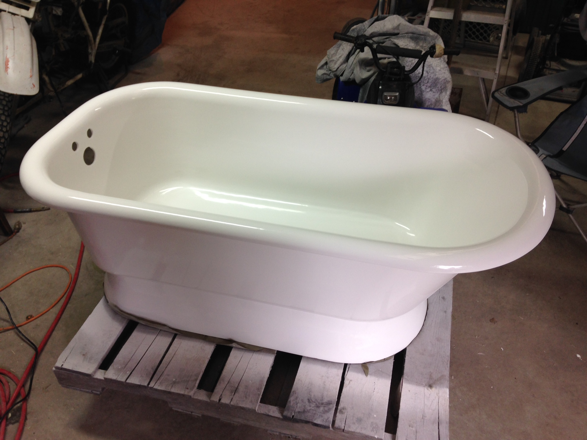If Mr. Bathtub Indy Can Make This Tub Look Great...Imagine What He Can Do  To Yours!
